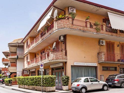 Appartamento in vendita a Aci Castello, 3 locali, zona Zona: Ficarazzi, prezzo € 105.000   CambioCasa.it
