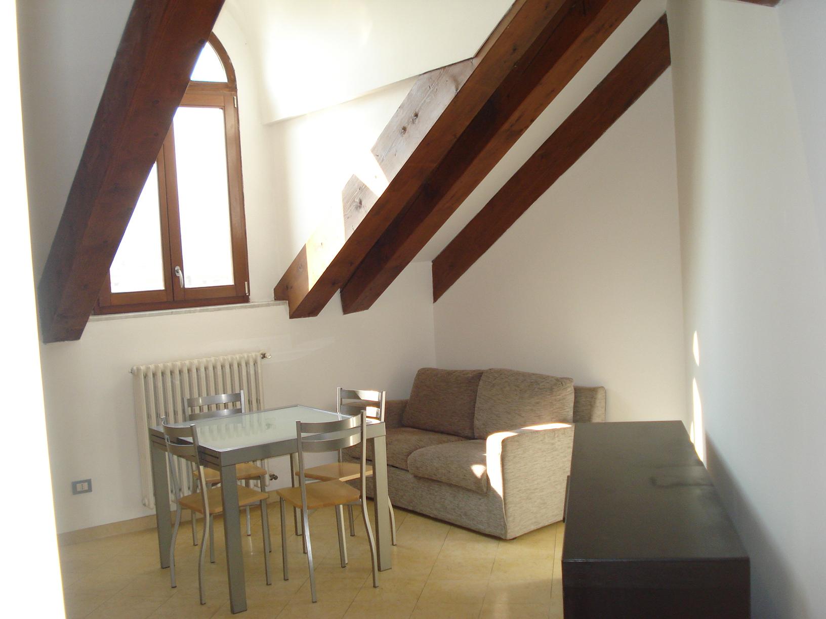 Bilocale in affitto - 65 mq