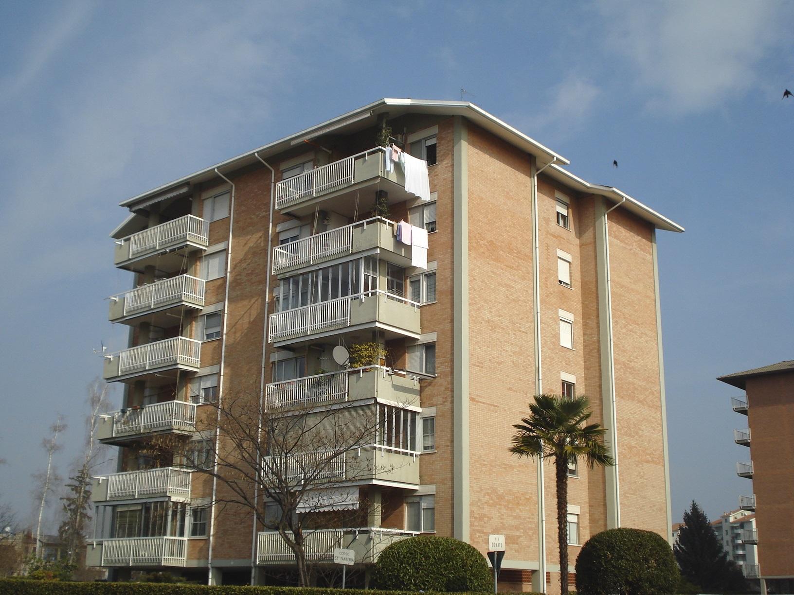 Appartamento in affitto a Biella, 2 locali, zona Zona: Centro, prezzo € 350 | Cambio Casa.it
