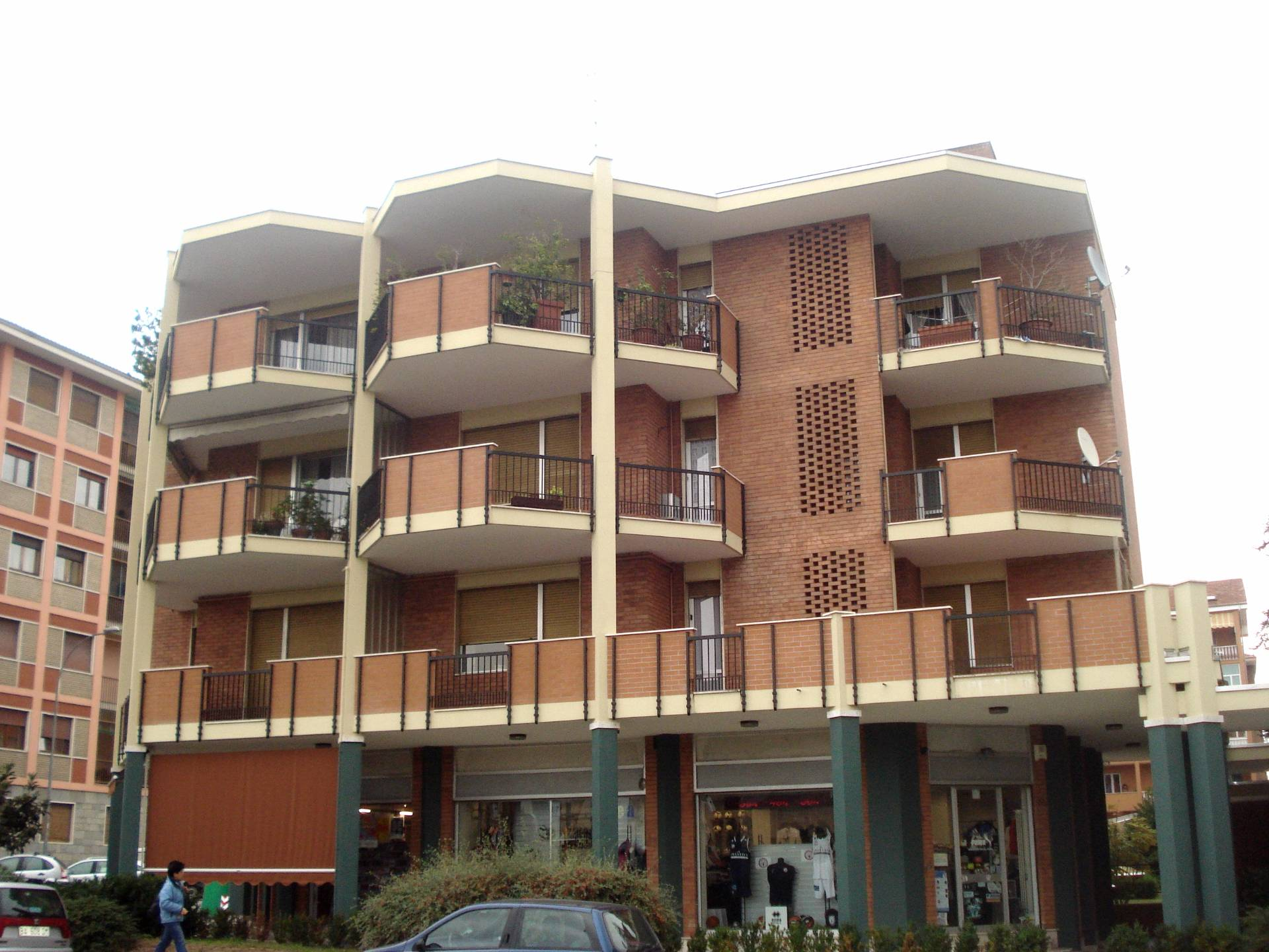 Appartamento in vendita a Biella, 4 locali, zona Zona: Centro, prezzo € 115.000   Cambio Casa.it