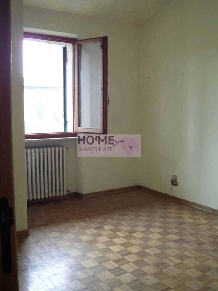 Appartamento in vendita a Macerata, 4 locali, zona Zona: Sforzacosta, prezzo € 50.000 | Cambio Casa.it