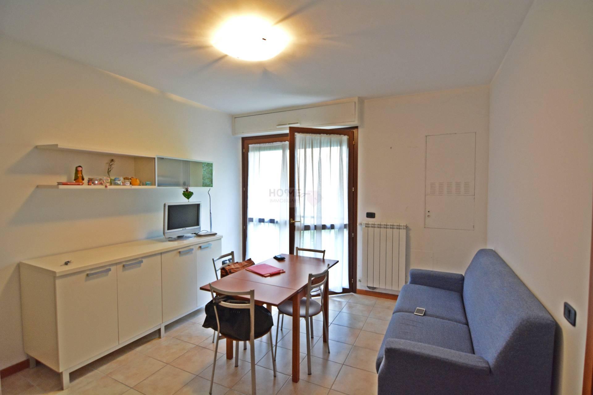 Appartamento in affitto a Macerata, 3 locali, zona Zona: Semicentrale, prezzo € 450 | Cambio Casa.it
