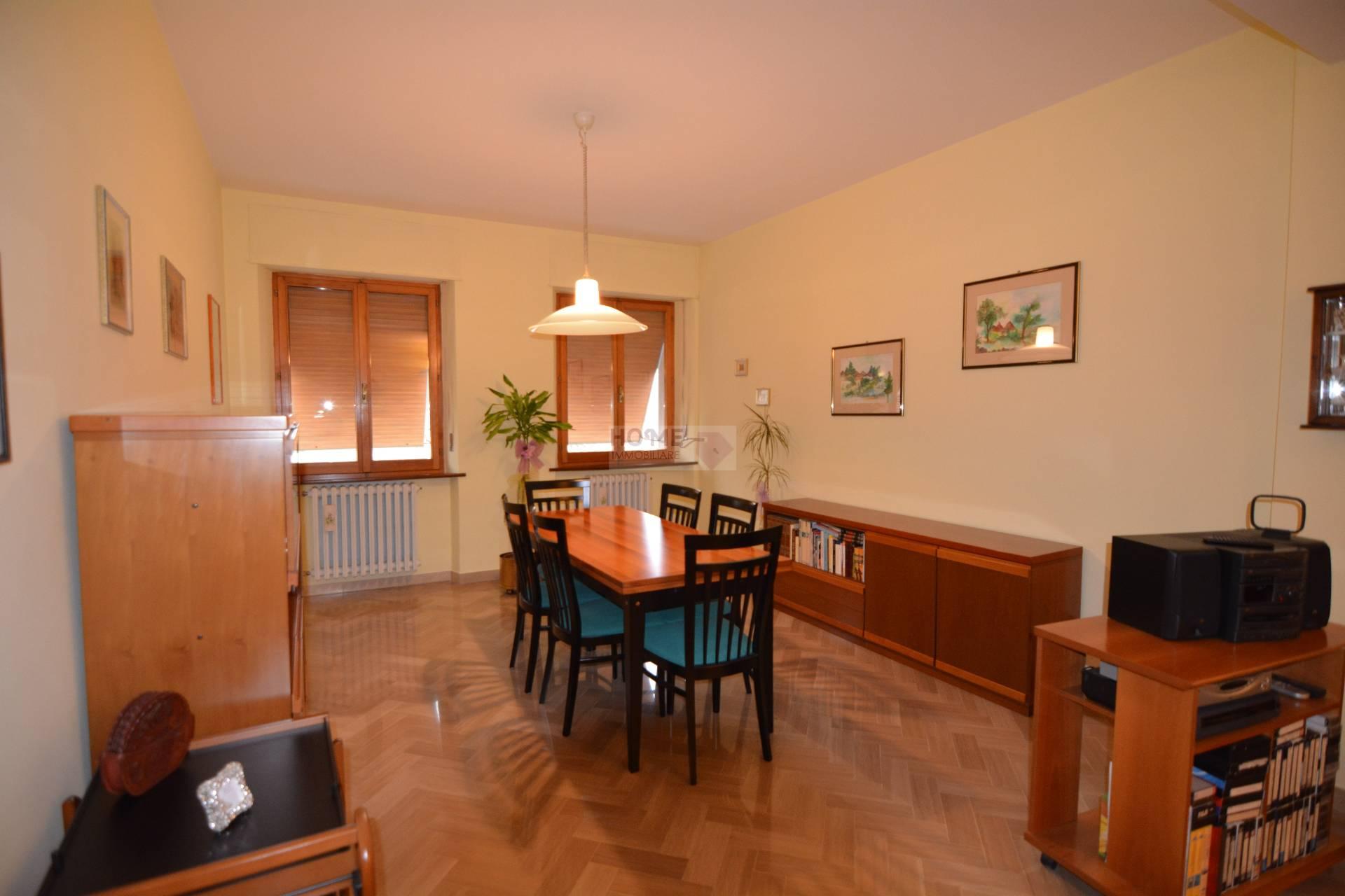 Appartamento in affitto a Macerata, 6 locali, zona Località: ZonaCentrale, Trattative riservate | Cambio Casa.it