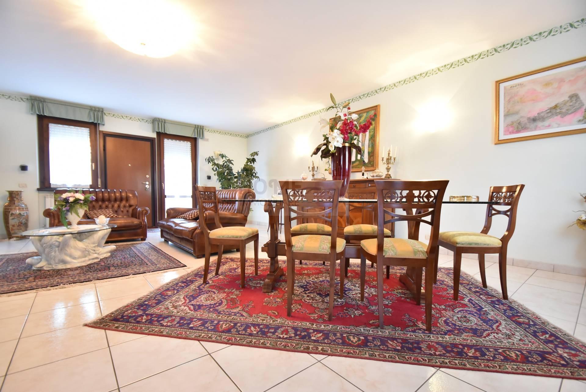 Soluzione Indipendente in vendita a Corridonia, 12 locali, zona Località: zonaS.aMaria, prezzo € 295.000 | Cambio Casa.it