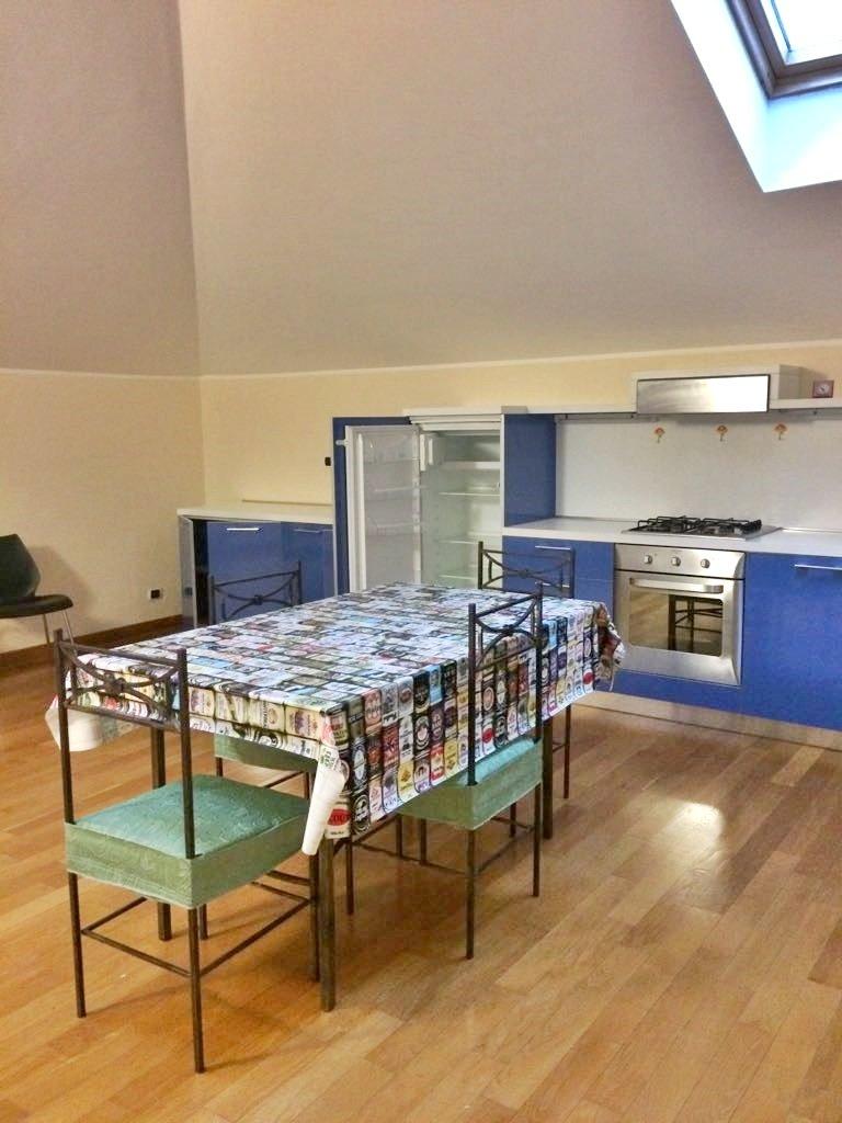 Appartamento in affitto a Macerata, 3 locali, zona Zona: Semicentrale, prezzo € 400 | Cambio Casa.it