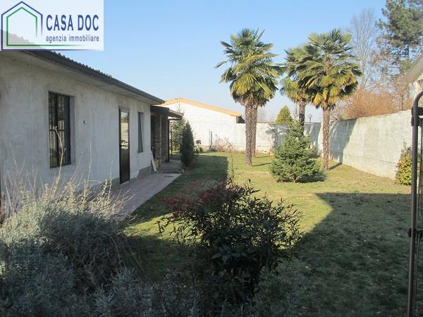 Soluzione Indipendente in vendita a Dorno, 4 locali, prezzo € 220.000 | Cambio Casa.it
