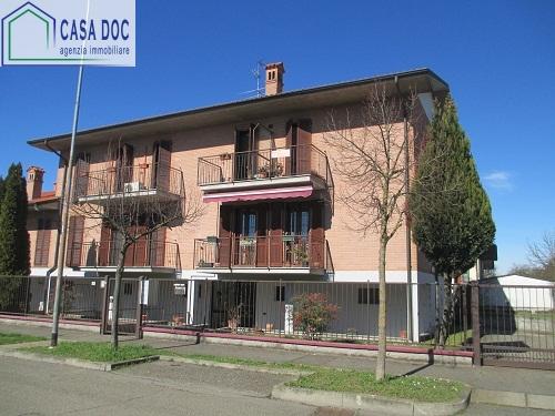 Appartamento in vendita a Zeccone, 2 locali, prezzo € 125.000   Cambio Casa.it