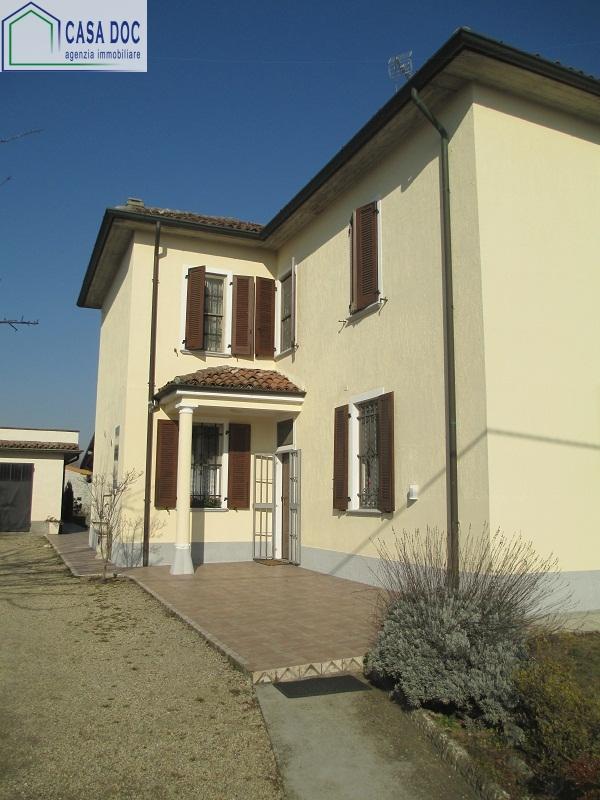 Villa in vendita a Milano, 5 locali, zona Località: Famagosta, prezzo € 220.000 | Cambio Casa.it