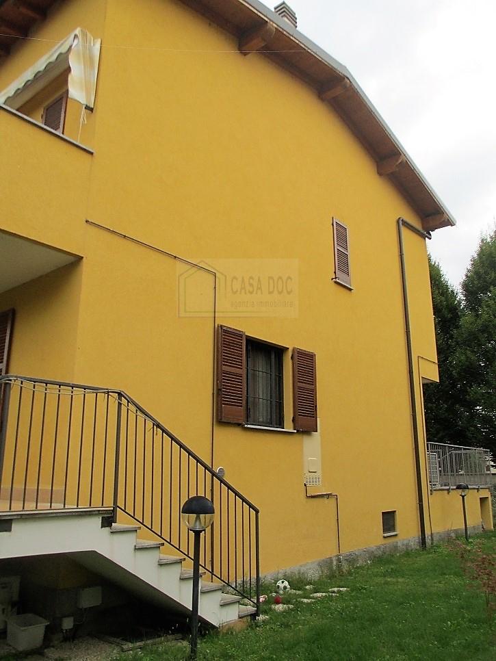 vendita appartamento opera   245000 euro  3 locali  108 mq