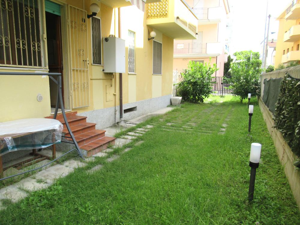 Appartamento in vendita a Alba Adriatica, 3 locali, zona Località: ZonaMare, prezzo € 128.000 | CambioCasa.it