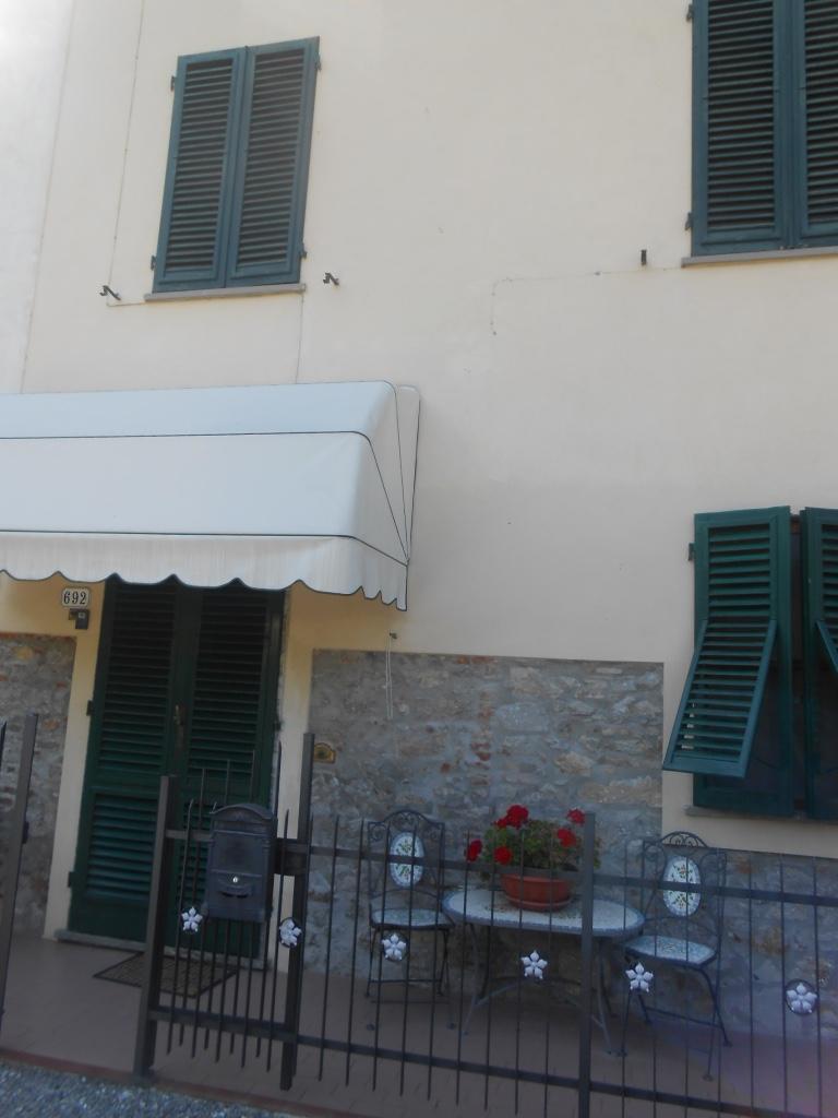 Soluzione Indipendente in vendita a Lucca, 5 locali, zona Località: NozzanoSanPietro, prezzo € 115.000 | Cambio Casa.it