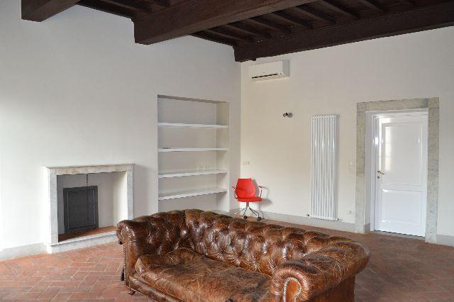 Appartamento in vendita a Lucca, 4 locali, zona Località: Centrostorico, prezzo € 640.000 | Cambio Casa.it