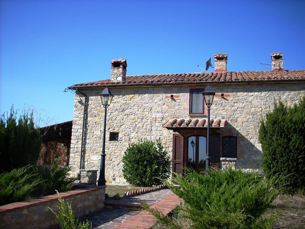 Rustico / Casale in vendita a Montegabbione, 20 locali, zona Località: CasteldeFiori, prezzo € 1.200.000 | CambioCasa.it