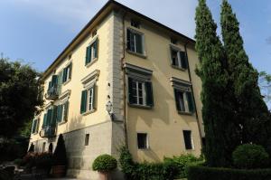 Villa for Sale to Camaiore