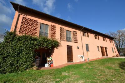 Rustico in Vendita a Lucca