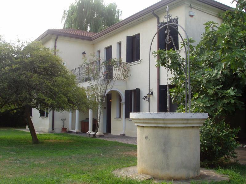 Villa in vendita a Ceregnano, 8 locali, zona Località: LamaPolesine, prezzo € 180.000 | Cambio Casa.it