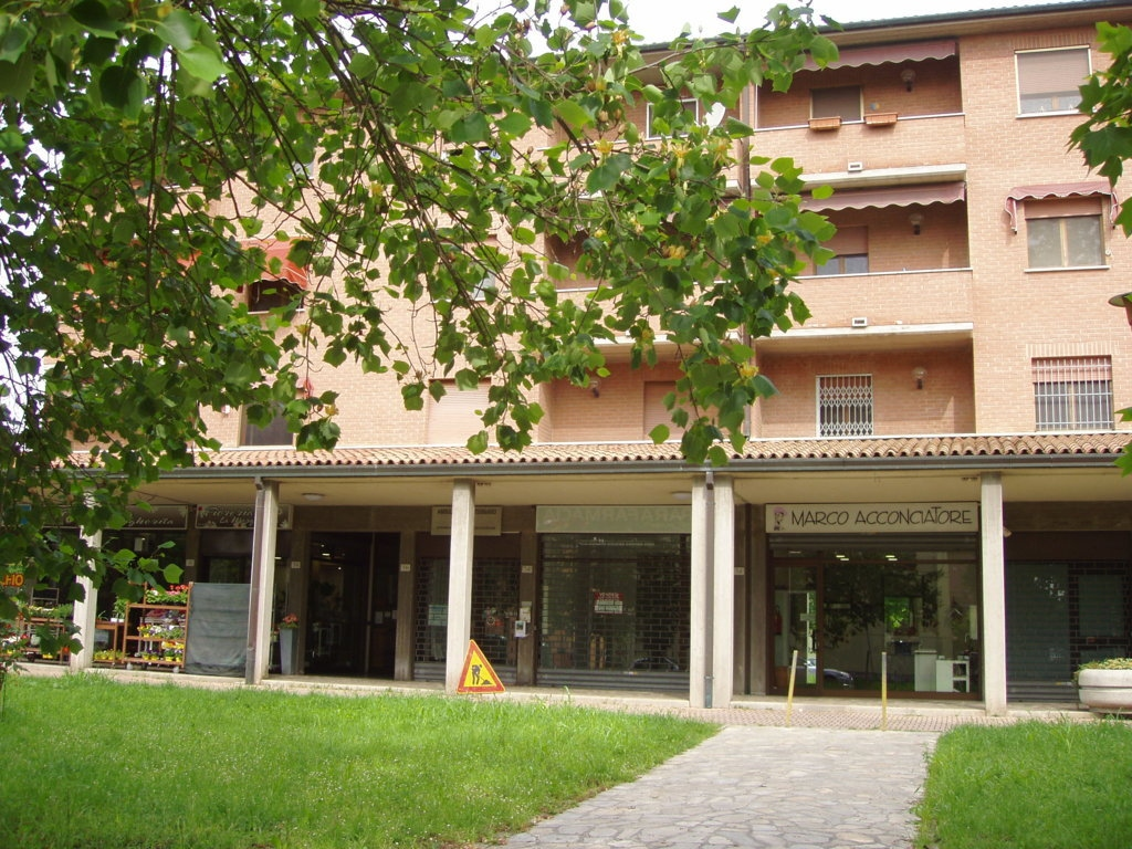 vendita appartamento ferrara via bologna  135000 euro  4 locali  90 mq