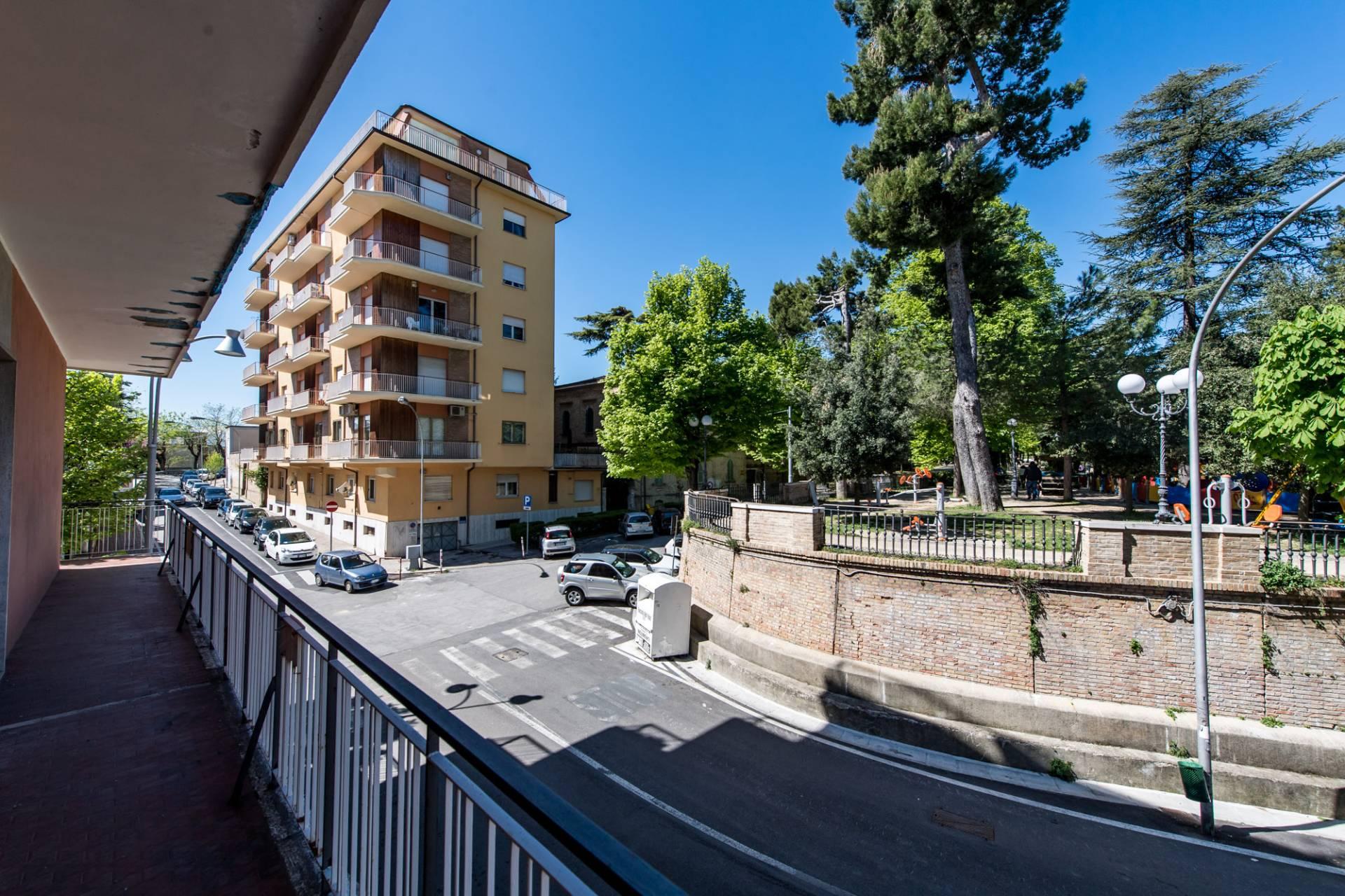Appartamento in vendita a Chieti, 6 locali, zona Località: V.Europa, prezzo € 110.000 | PortaleAgenzieImmobiliari.it