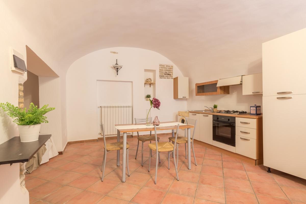 Appartamento in vendita a Chieti, 3 locali, zona Località: Centrostorico, prezzo € 75.000 | PortaleAgenzieImmobiliari.it