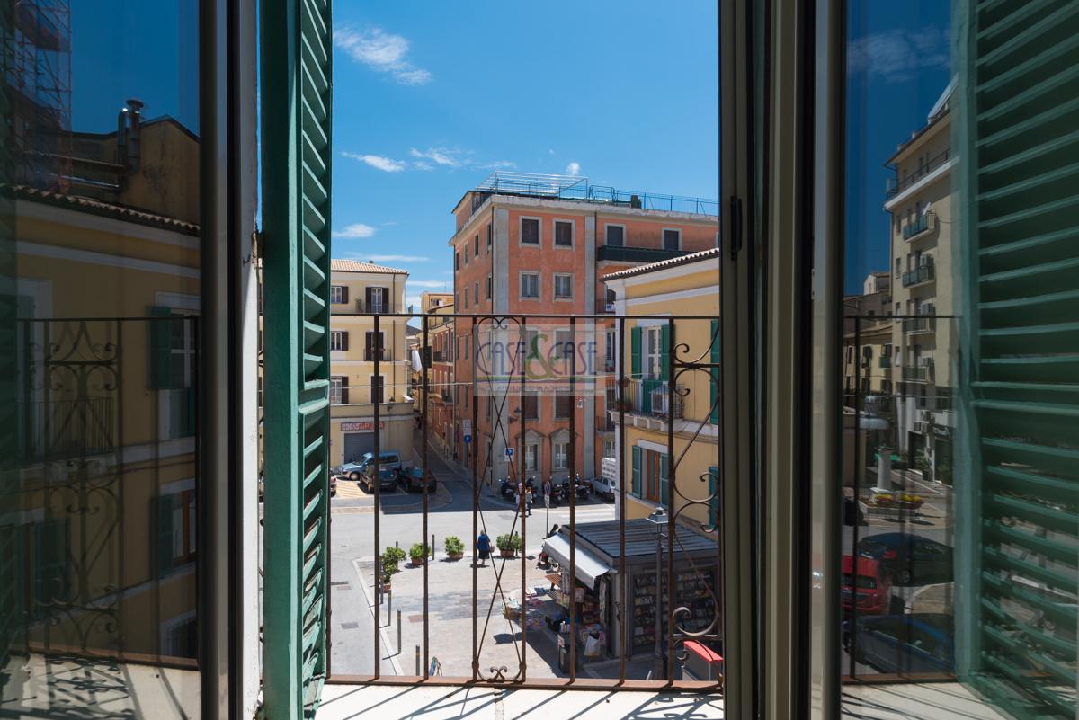 Appartamento in vendita a Chieti, 10 locali, prezzo € 35.000 | PortaleAgenzieImmobiliari.it