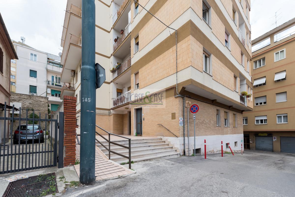 Appartamento in vendita a Chieti, 6 locali, zona Località: MadonnadegliAngeli, prezzo € 95.000 | PortaleAgenzieImmobiliari.it