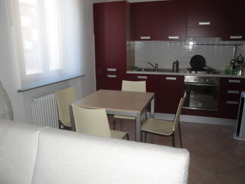 Appartamento in affitto a Fiorenzuola d'Arda, 2 locali, prezzo € 450   Cambio Casa.it