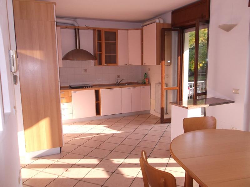 Appartamento in vendita a Fiorenzuola d'Arda, 4 locali, prezzo € 150.000 | Cambio Casa.it