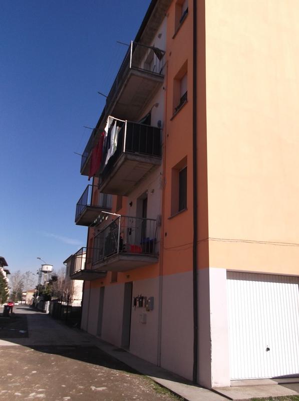 Palazzo / Stabile in Vendita a Cortemaggiore