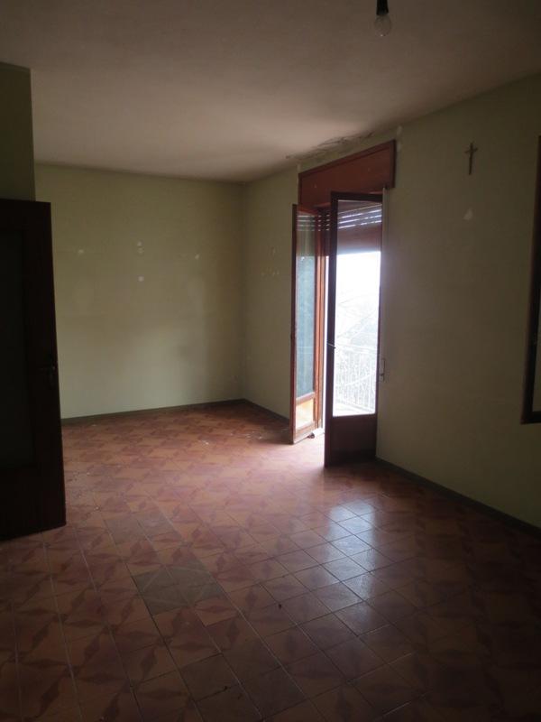 Soluzione Indipendente in vendita a Vernasca, 8 locali, prezzo € 110.000 | Cambio Casa.it
