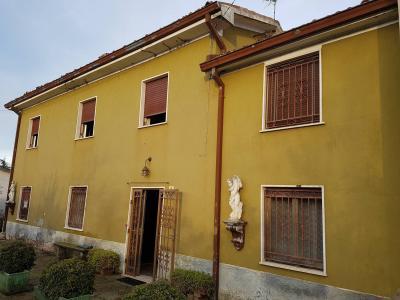 Casa semindipendente in Vendita a Castell'Arquato
