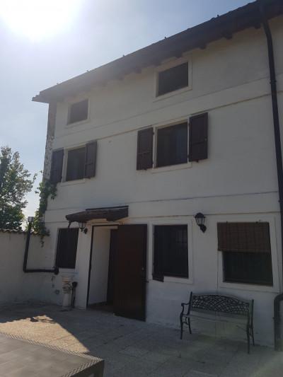 Casa indipendente in Vendita a Carpaneto Piacentino