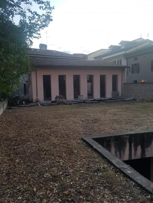 Casa semindipendente in Vendita a Piacenza