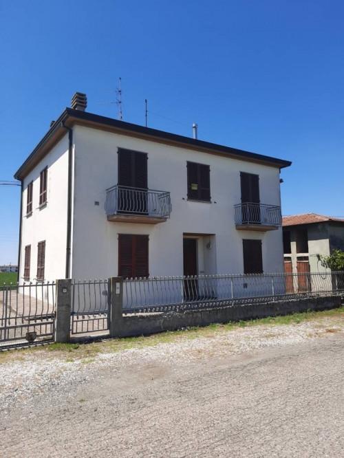 Casa indipendente in Vendita a Fiorenzuola d'Arda