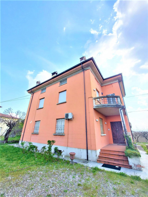 Casa indipendente in Vendita a Cadeo