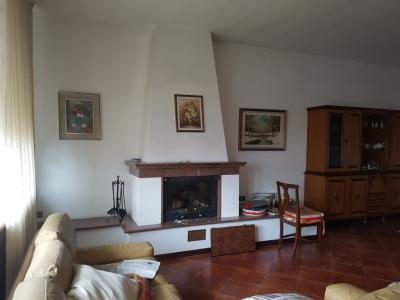 Villa in Vendita a Caorso