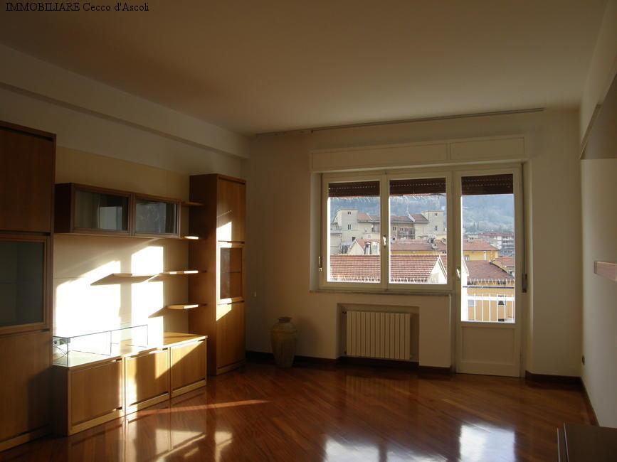 Appartamento in affitto a Ascoli Piceno, 7 locali, zona Località: PortaMaggiore, prezzo € 600 | Cambio Casa.it