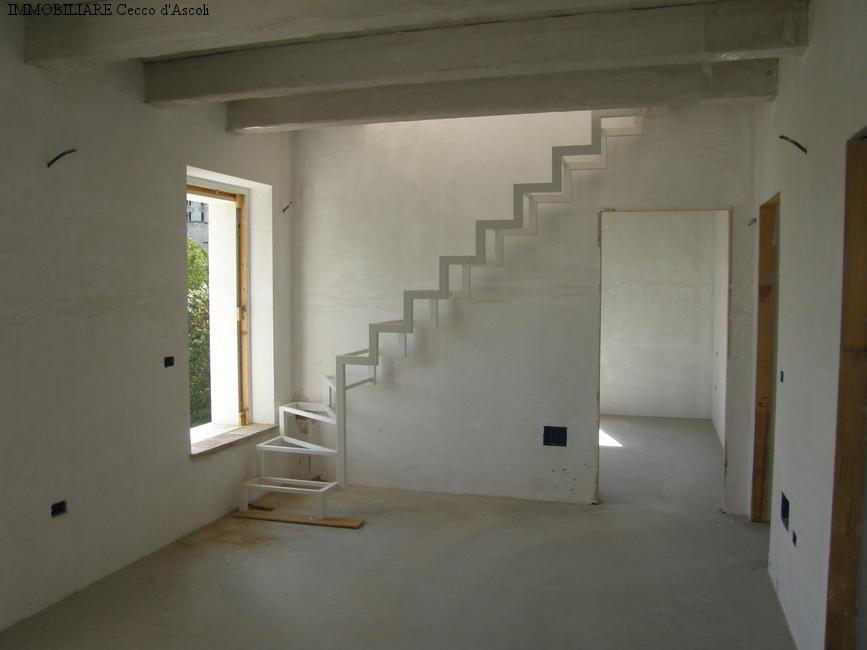 Appartamento in vendita a Ascoli Piceno, 4 locali, zona Località: CentroStorico, prezzo € 215.000 | Cambio Casa.it