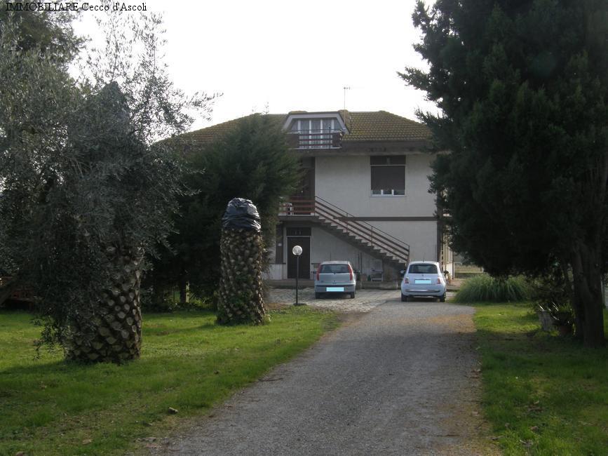 Soluzione Indipendente in vendita a Monsampolo del Tronto, 15 locali, zona Località: StelladiMonsampolo, prezzo € 270.000 | Cambio Casa.it