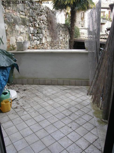 Appartamento in vendita a Ascoli Piceno, 3 locali, zona Zona: Piazzarola, prezzo € 130.000 | Cambio Casa.it