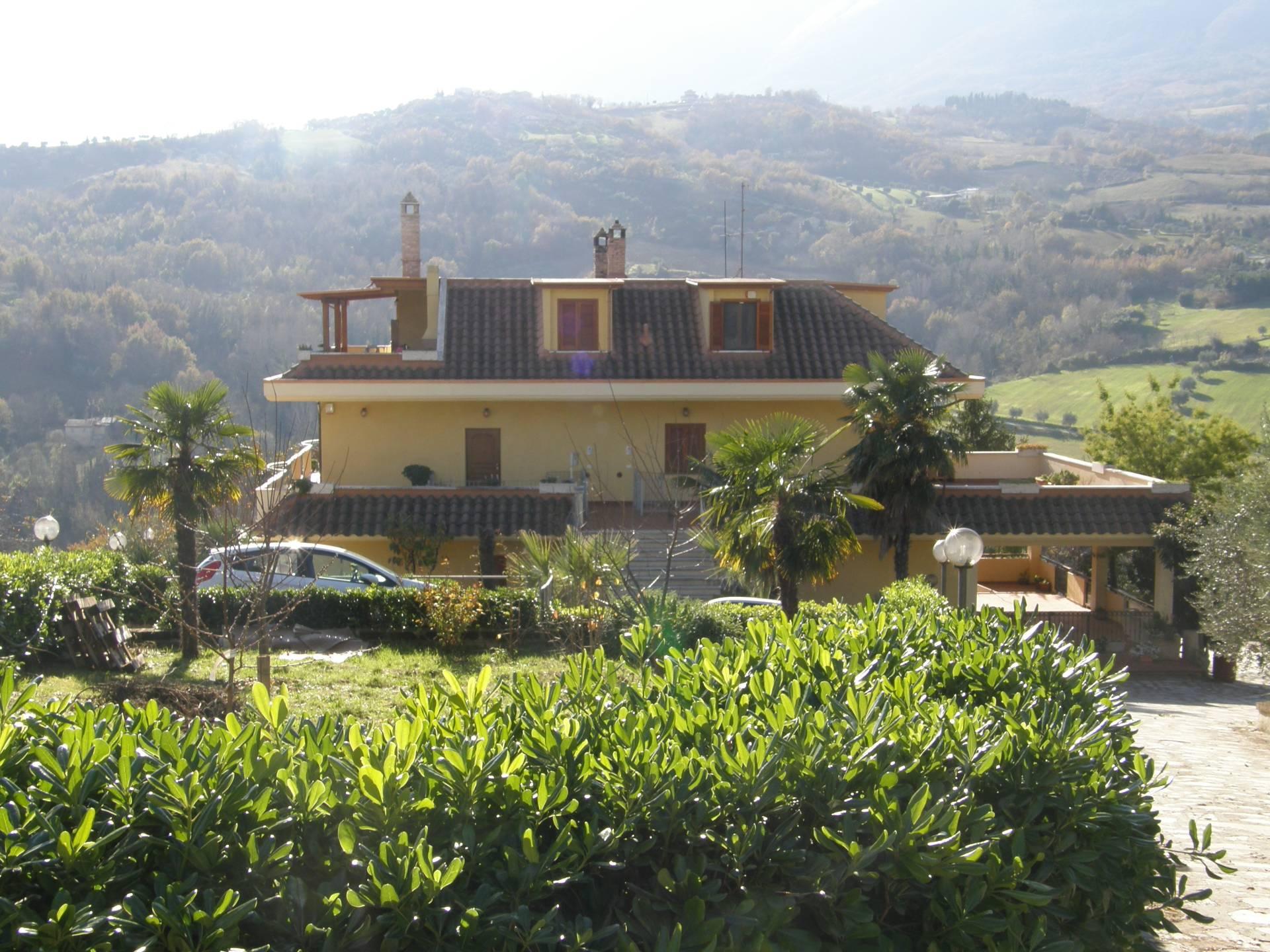 Appartamento in vendita a Folignano, 6 locali, prezzo € 139.000 | Cambio Casa.it