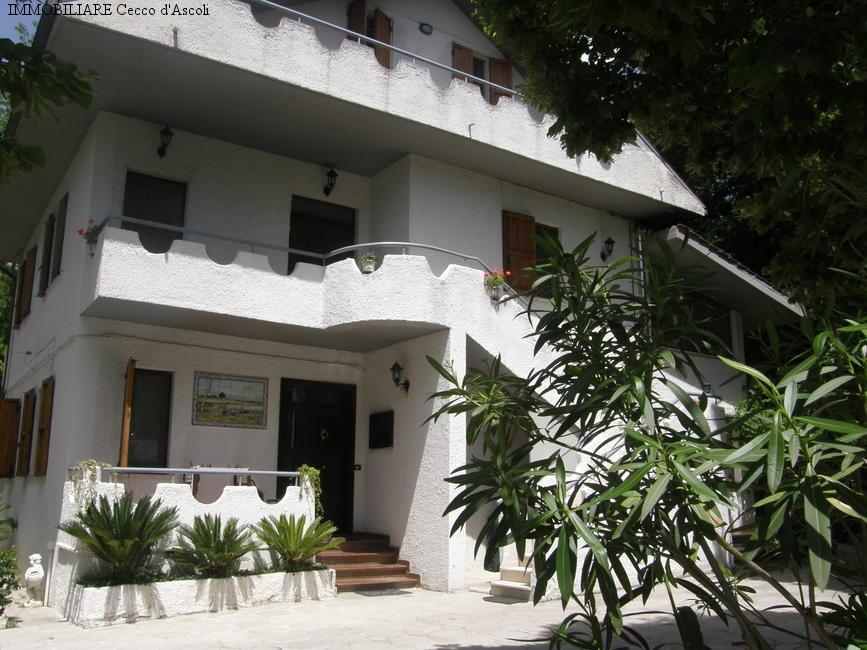 Appartamento in vendita a Ascoli Piceno, 5 locali, zona Località: CasediCoccia, prezzo € 150.000   Cambio Casa.it
