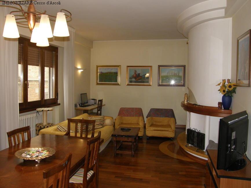 Appartamento in vendita a Sant'Egidio alla Vibrata, 6 locali, prezzo € 100.000 | CambioCasa.it