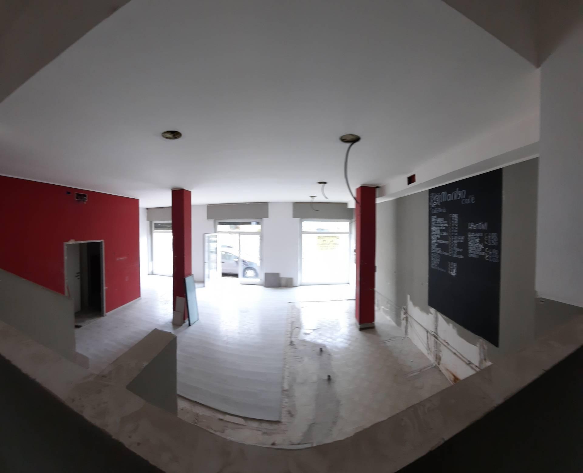 Fondo commerciale in affitto a Castel Di Lama (AP)