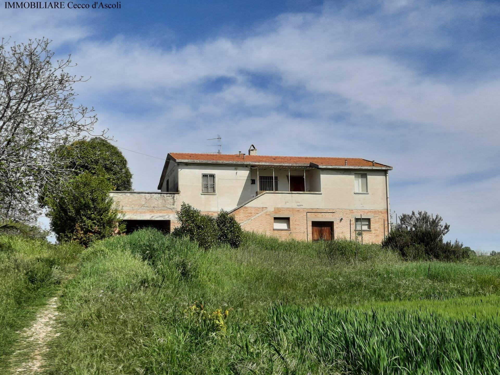Rustico in vendita a Centobuchi, Monteprandone (AP)