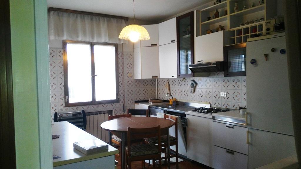 Appartamento in vendita a Spinea, 6 locali, prezzo € 139.000 | Cambio Casa.it