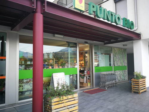 Locale commerciale in Affitto a Feltre