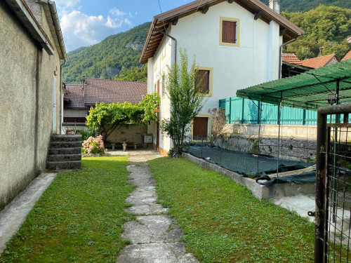 Casa singola in Vendita a Ponte nelle Alpi