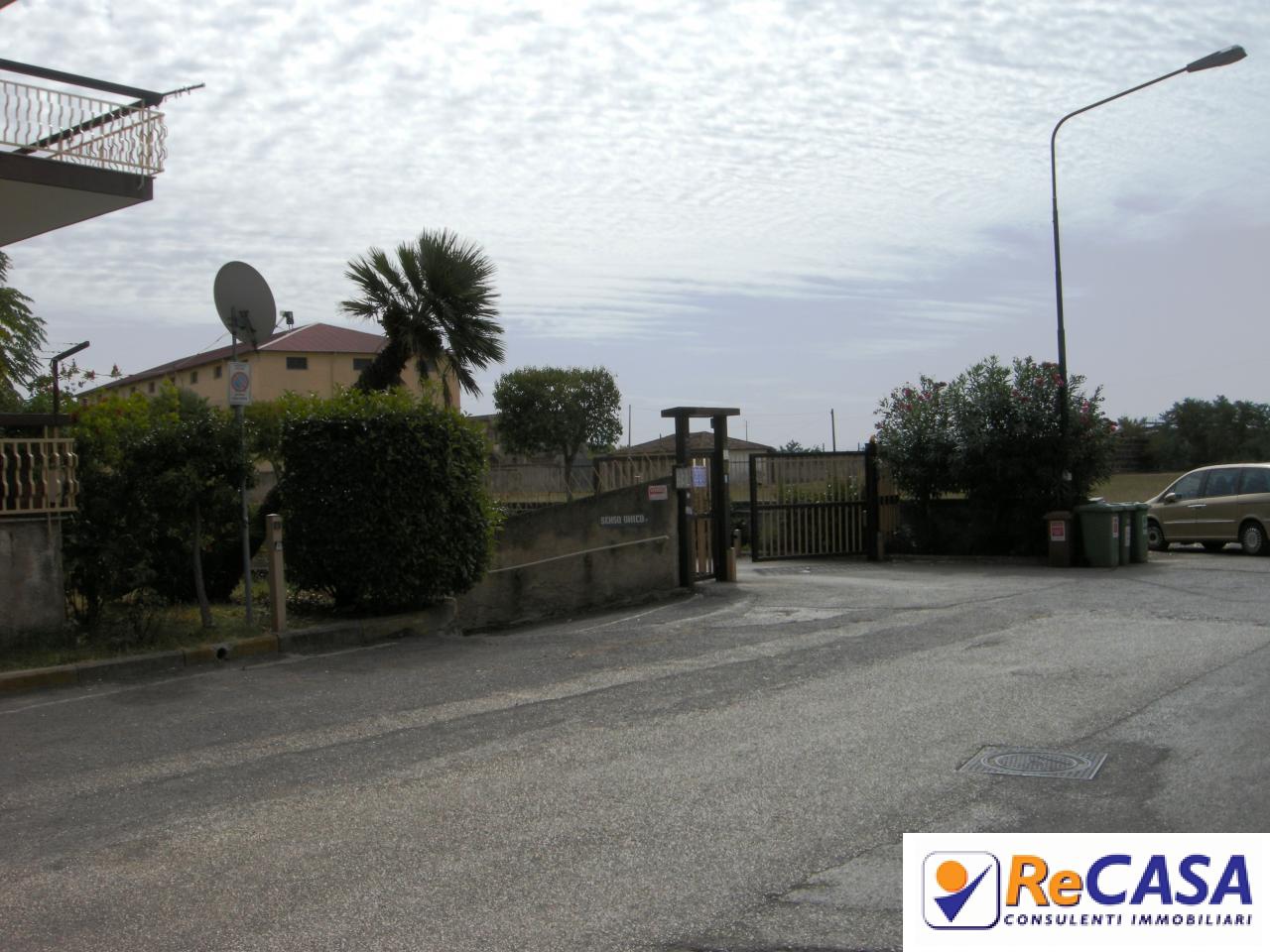 Box / Garage in vendita a Bellizzi, 9999 locali, zona Località: Centro, prezzo € 28.500 | CambioCasa.it