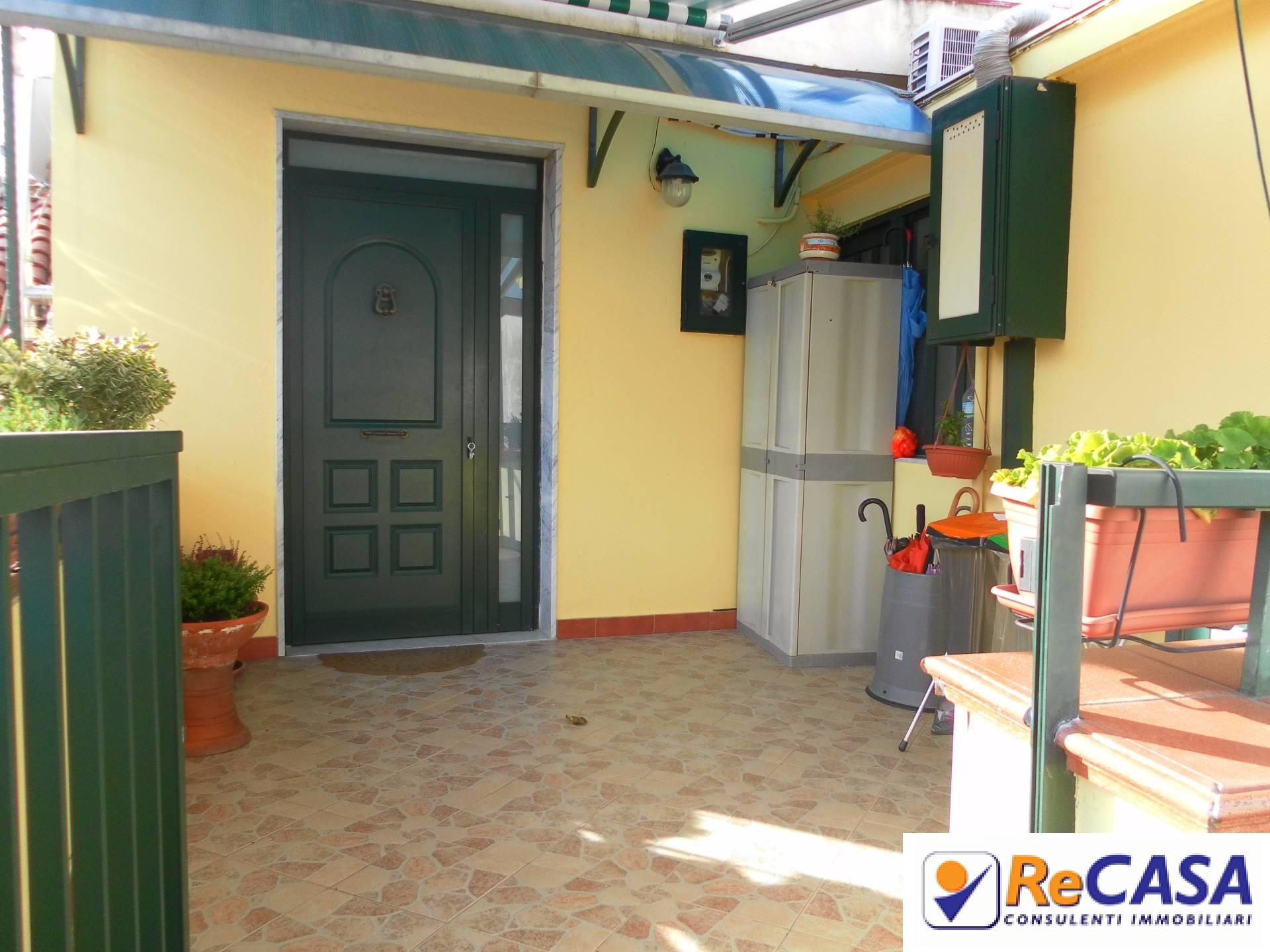 Appartamento in vendita a Montecorvino Rovella, 3 locali, zona Località: Centro, prezzo € 65.000 | Cambio Casa.it