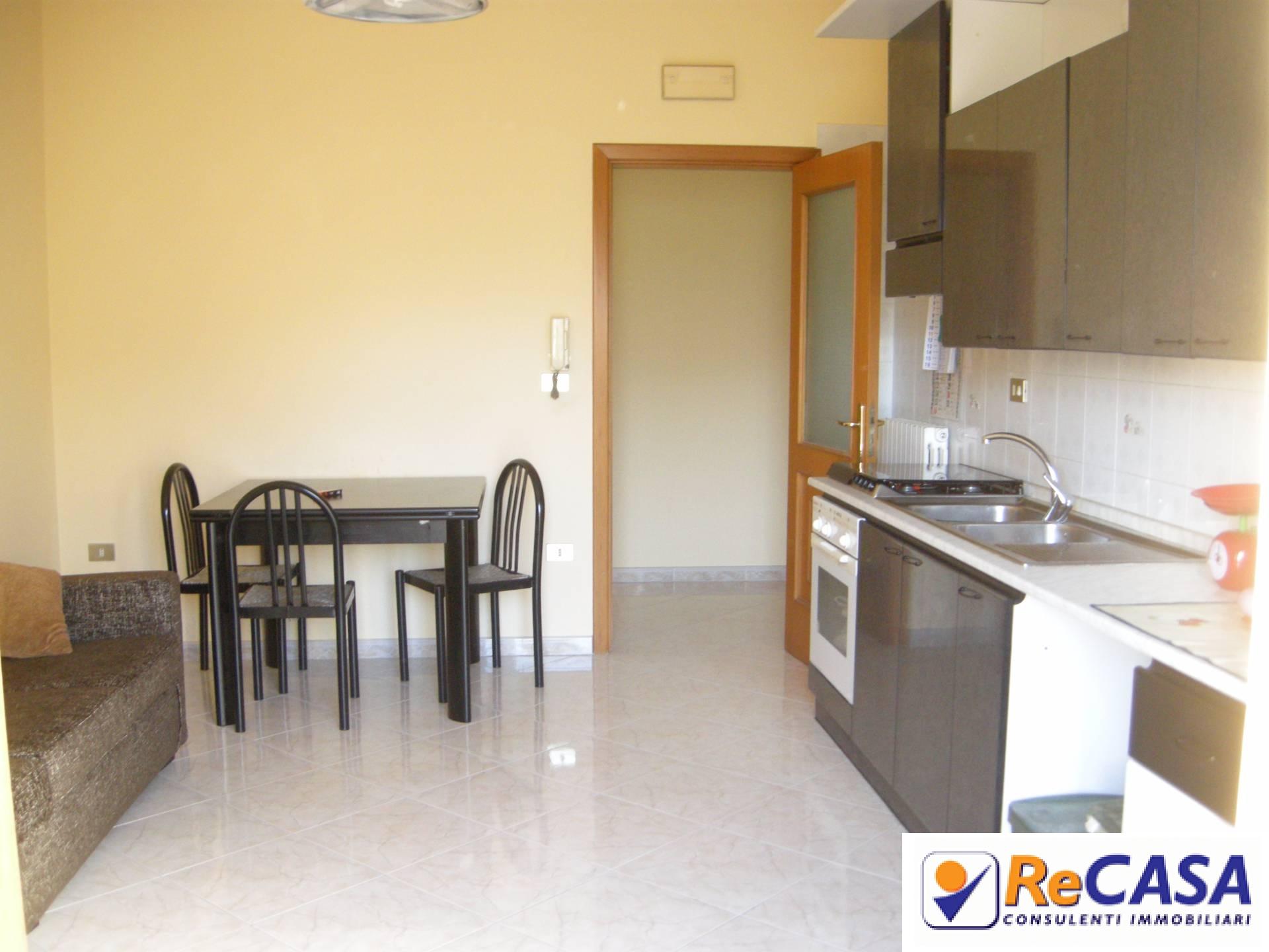 Appartamento in vendita a Montecorvino Rovella, 3 locali, zona Località: SanMartino, prezzo € 63.000 | Cambio Casa.it